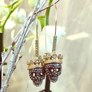 💀Betsey Johnson skull dangle earrings!💀